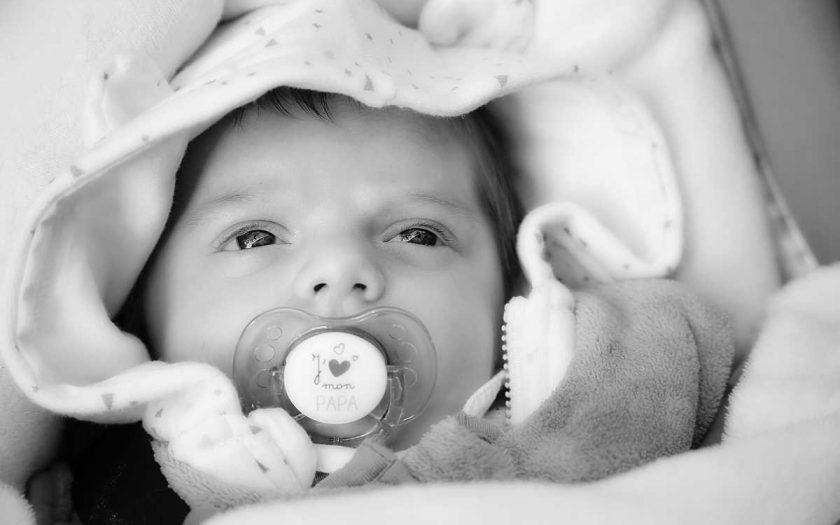 Na rodičovský příspěvek vzniká nárok v souvislosti s narozením dítěte. Od 1. 1. 2021 se rodičovská zvýšila na 300 000 Kč (nebo 450 000 Kč). Na rodičovské dovolené můžete být do 3 roků dítěte. Na rodičovský příspěvek je nárok až do 4 roků dítěte.