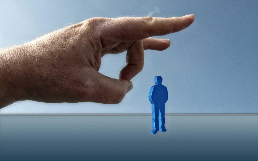 Na podporu v nezaměstnanosti má OSVČ (živnostník) nárok při ukončení nebo přerušení podnikání. Podmínky jsou podobné jako u podpory pro zaměstnance. Maximální podpora v nezaměstnanosti je v roce 2020 ve výši 19 389 Kč.